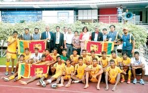 z_p28-Lankan-juniors